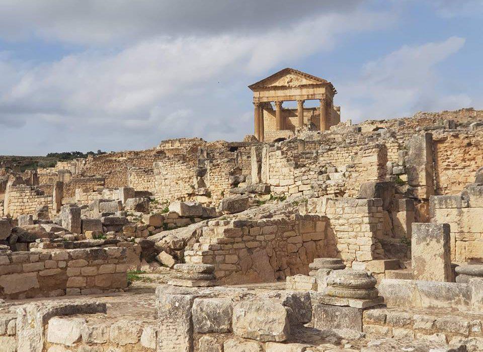 Prise de vue aérienne par drone du prestigieux site archéologique de Dougga